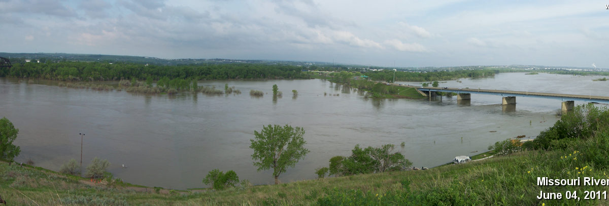 Panoramic view of the Missouri River on June 4, 2011
