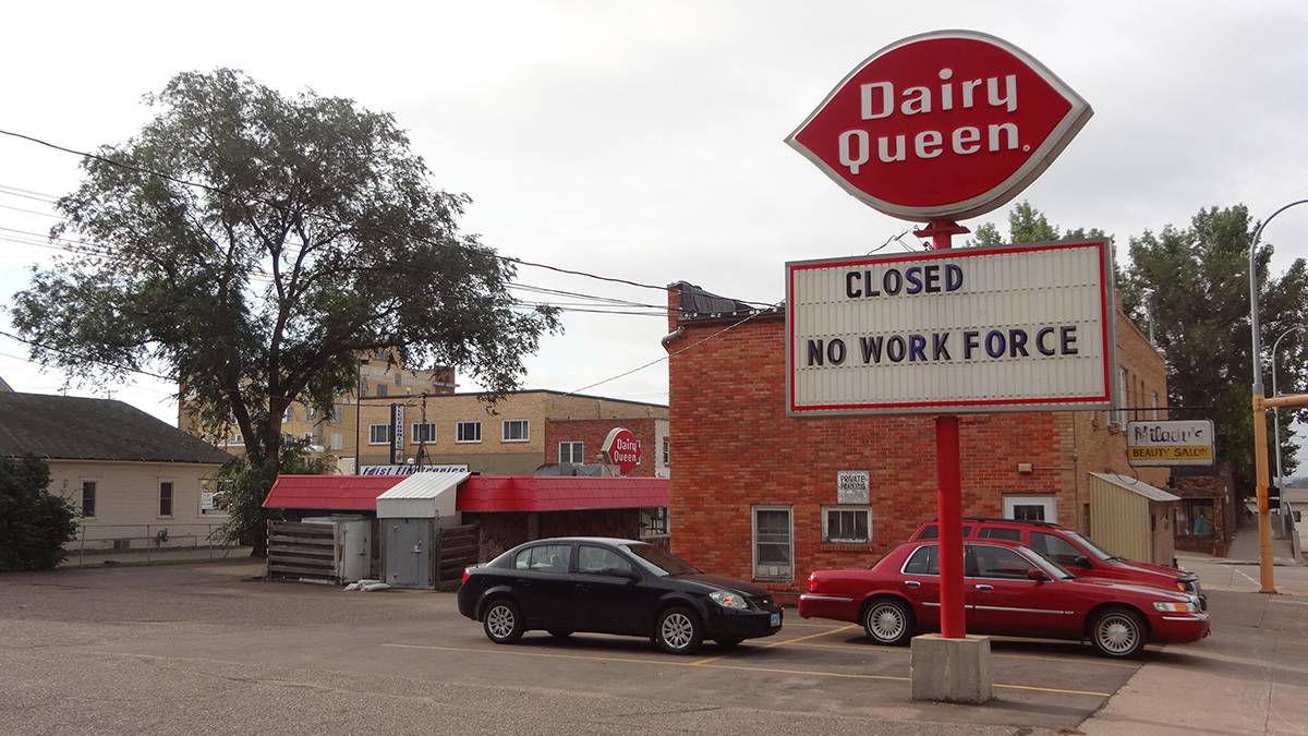 Closed: No Workforce Sign on Broadway Dairy Queen